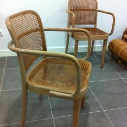 sillas originales thonet 1930 - 250 € cada una .